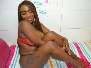 Ebony hottie Sexenchatress28