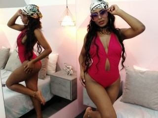 Latina babe KimCeretti